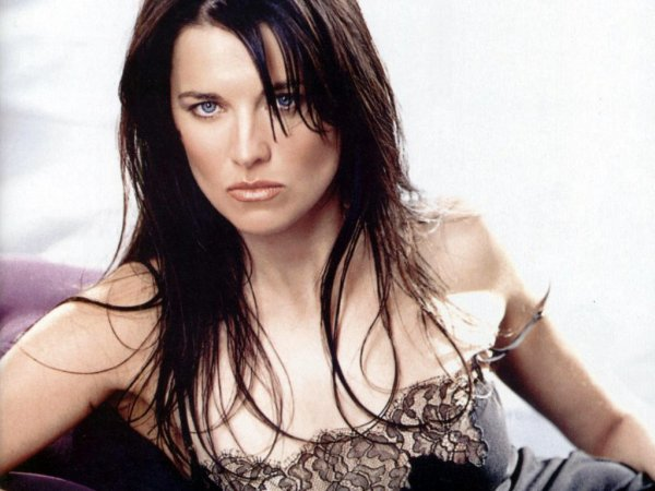 Lucy Lawless 01