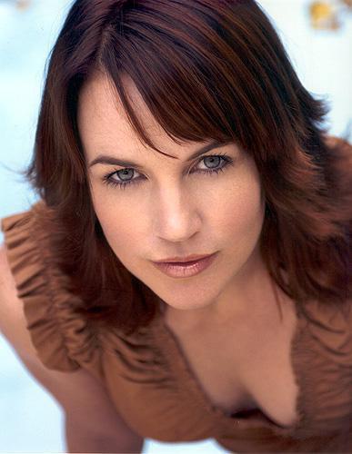 Renée O'Connore 01