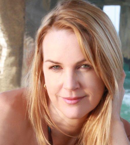 Renée O'Connore 03