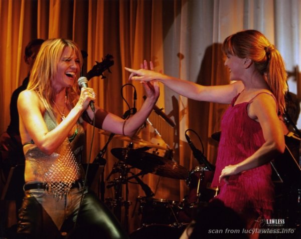 Lucy & Renée 05