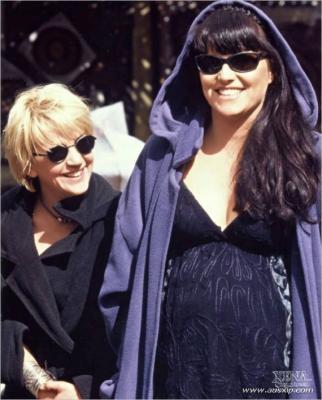 Lucy & Renée 08