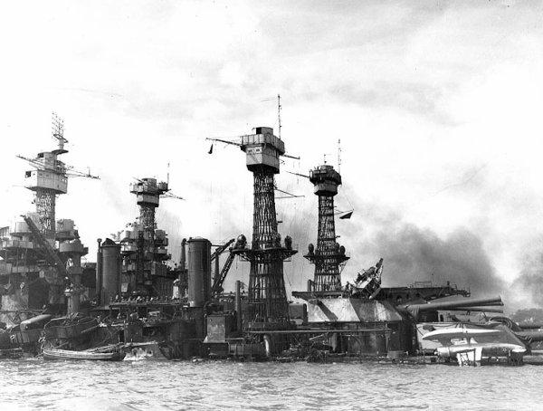 7 décembre 1941 Les Japonais attaquent Pearl Harbor