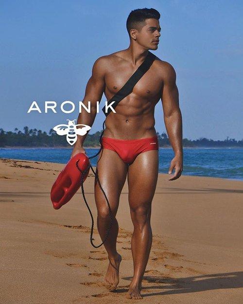 Back to the beach - Aronik