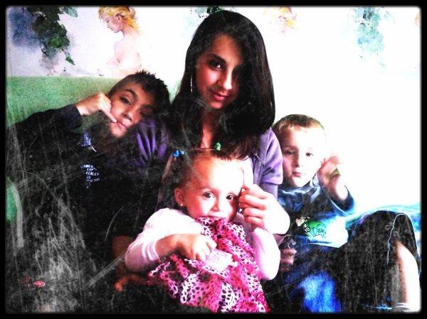Moi et Mes 2 frères et ma s½ur ! <3