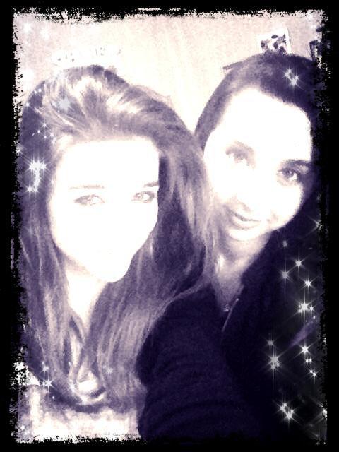 Ma meilleur amie (Océane) et Moi !! <3