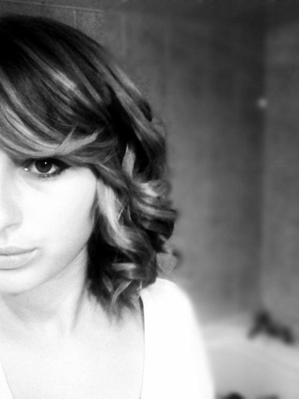 - Alexandra - 16 ans - Toutes Ses Dents -