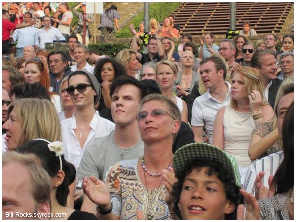 ( 5 816 ) » 05.07.2010 - Bill & Tom au concert de Prince, Berlin (Allemagne).