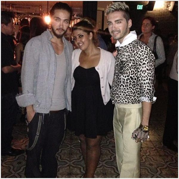 8 397 / 20.09.2013 - Bill & Tom avec une fan à Los Angeles (USA).