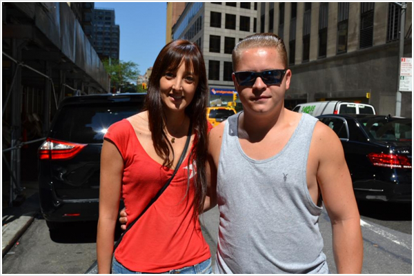 9 417 / ??.08.2015 - Gustav Schäfer avec une fan à New York.