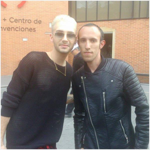 9 423 / 20.08.2015 - Bill avec un fan à Bogota.