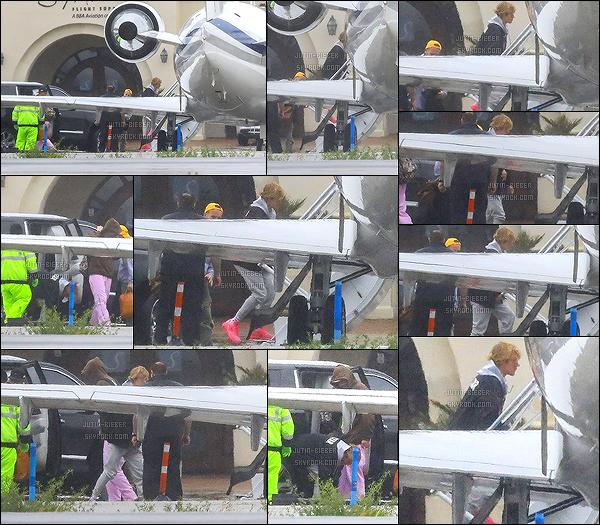 - 02/03/18 - Notre Justin a été vu par les paparazzi montant dans un jet privé avec des amis à un aéroport à Los Angeles. -