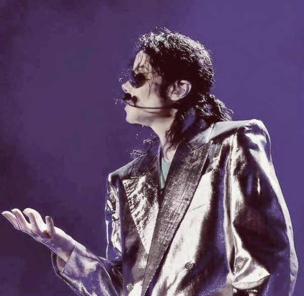 god bless you Michael our angel (l) in memory of Michael Jackson