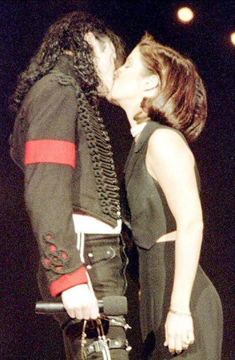 Michael Jackson & Lisa Marie Presey ( Jackson ) ;D
