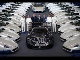 La Maserati MC12 a moteur V12 de 630ch, 2005, 50 exemplaires