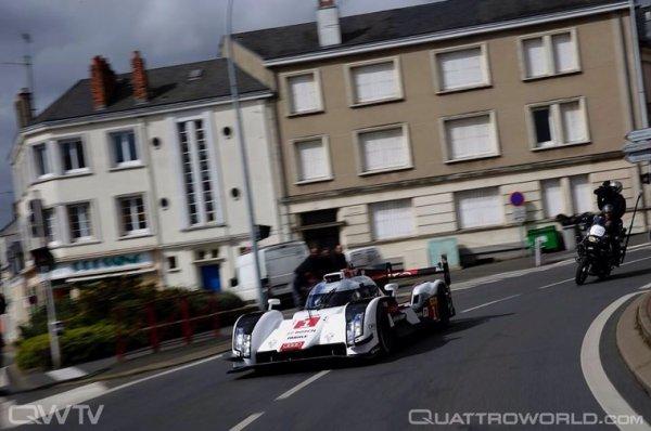 La Audi R18 E-Tron parade dans les rue du Mans