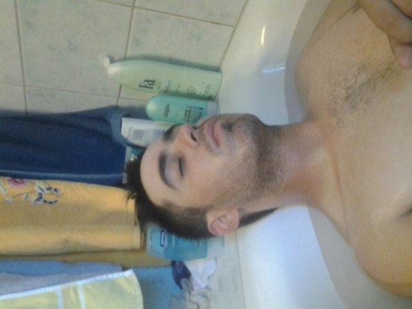 Bonne sieste dans son bain :-P
