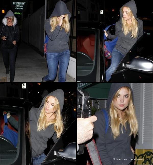 25/04/13 Ashley quittant le dan tana restaurant à LA.