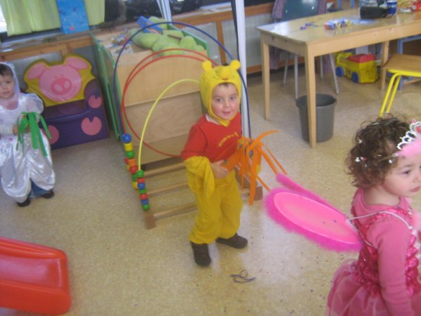 andrew  carnaval a l ecole
