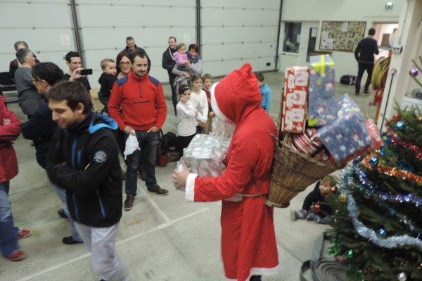 Arbre de Noël amicale des sapeurs pompiers d'Anost 17 / 12 / 17