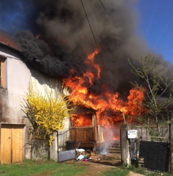 PLANCHEZ-EN-MORVAN : Une maison détruite par un très violent incendie AUTUN INFOS