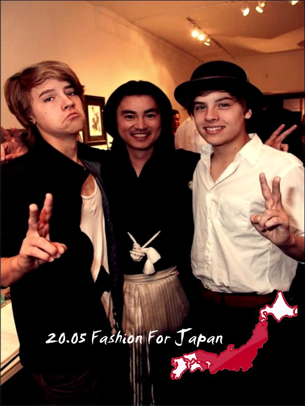 . 12 Juin 2011 - Fashion For Japan Again ... De nouvelles photos de Fashion For Japan sont apparues : Et oui, encore ! .