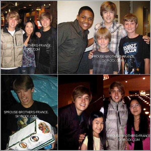 . 27 Juin 2011 - Cole & Dylan meeting a young fan Une petite fan a eu la chance de rencontrer les jumeaux ! .
