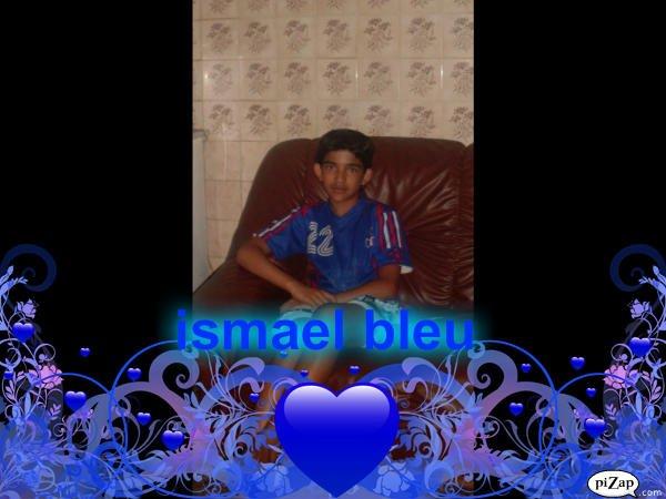ismael en bleu car ses sa couleur préféré