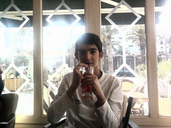 isma a la rago qui buvé de la bière moi je lui et di non mais il écouté pas dvd mama