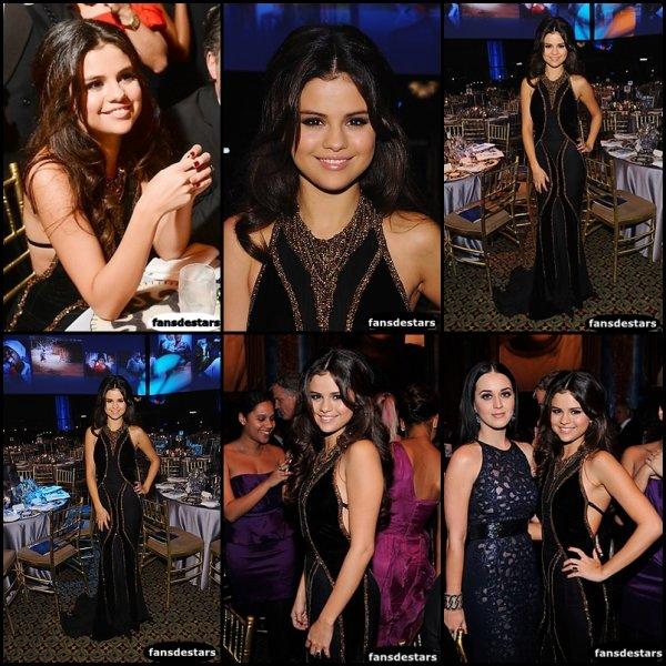27/11/2012 : Selena au ''Unicef SnowFlake Ball'' <3