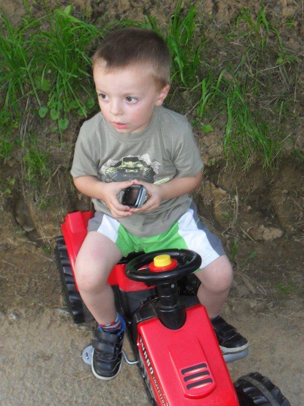 Avec son tracteur