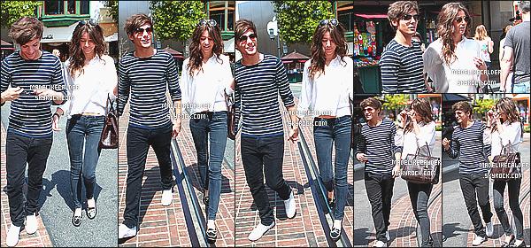 28/03/12 : Louis Tomlinson et sa copine Eleanor Calder ont été aperçus se promenant dans les rues de LA. C'est probablement un de mes candids préférer ! Eleanor est sublime comme toujours &sa tenue est très jolie, même si elle est simple.