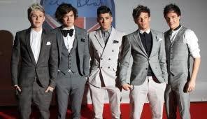 LES ONE DIRECTION :Liam Payne , Zayn Malik ,Harry Styles , Niall Horan ,Louis Tomlinson.