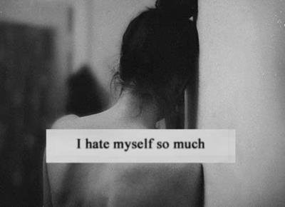 Dans le miroir, aucune paix je ne trouve..