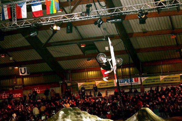 Démo lors de l'indoor de St Etienne de BMX !!!