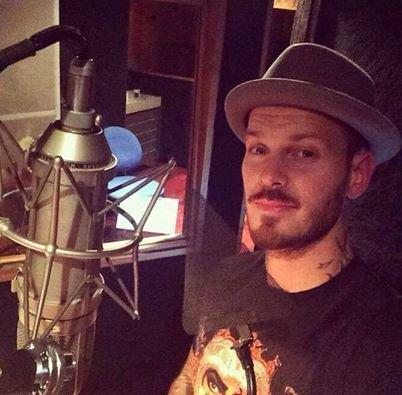 Matt en studio pour l'album 6