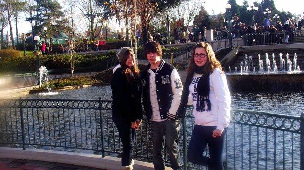 DisneyLand Paris bb † .