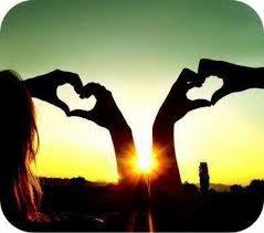1. J'arrive. 2. Tu m'embrasses. 3. Dis moi que tu m'aimes. (l) :)