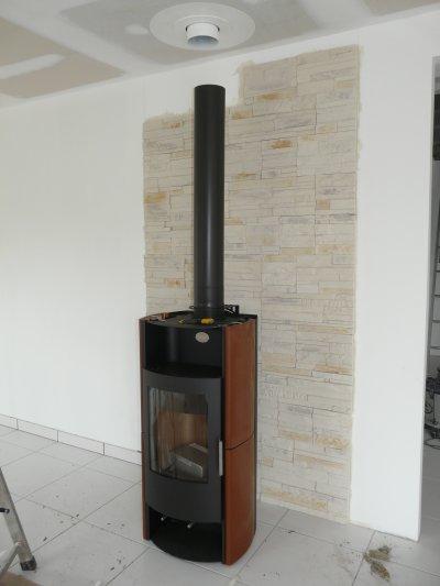 arriv e du po le bois blog de aurmax14 blog de notre construction. Black Bedroom Furniture Sets. Home Design Ideas
