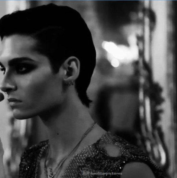 Shoot pour Vogue (j'trouve ce shoot un peu trop ... spécial x) Mais cette photo est très belle ^^)