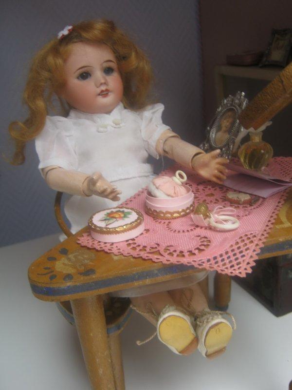 De Paris, Bleuette a reçu quelques petits cadeaux.....