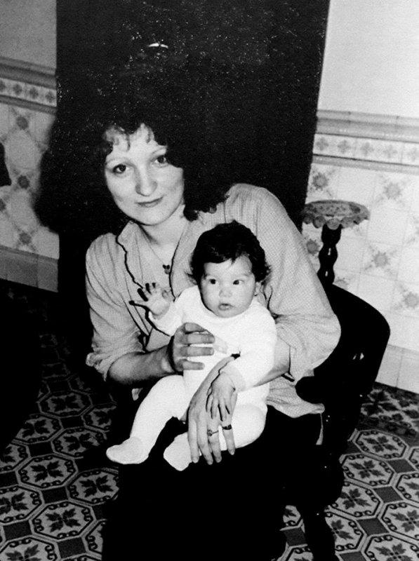Ma nièce a retrouvé cette photo de nous deux ......il y a trente ans