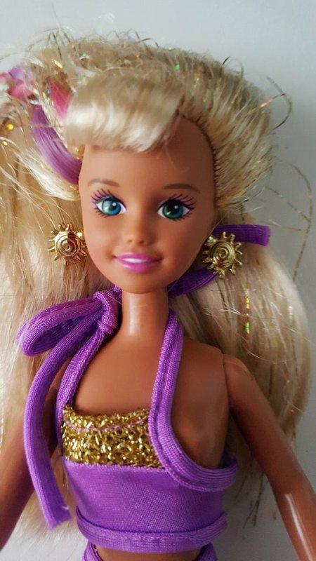 trouvailles sur une  petite brocante, Barbie 80 ou 90 ?
