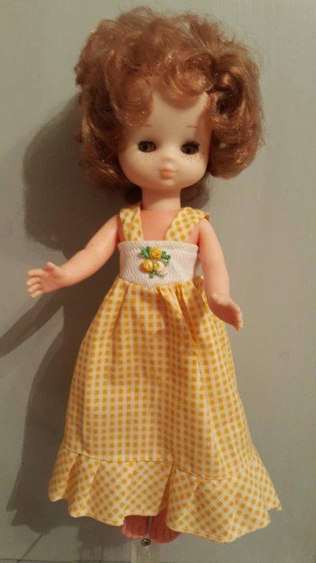 """La robe jaune a trouvé sa poupée """" Lesly """" (merci à Catinette57 et Isa pour le renseignement )"""