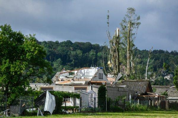 Une tornade s'est abattue sur la région , on compte plus de 90 maisons sinistrées