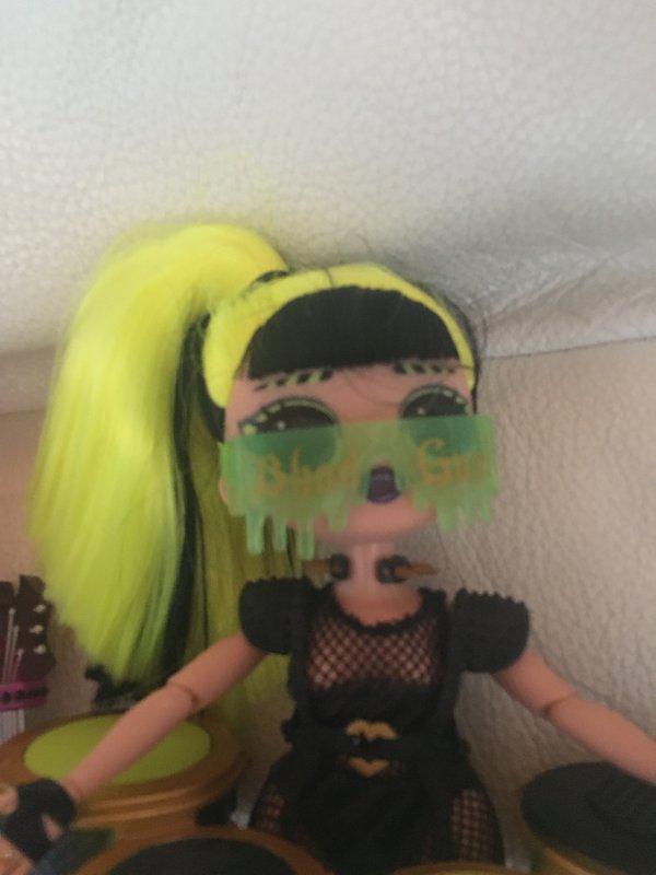Les poupées LOL de ma petite fille Enora