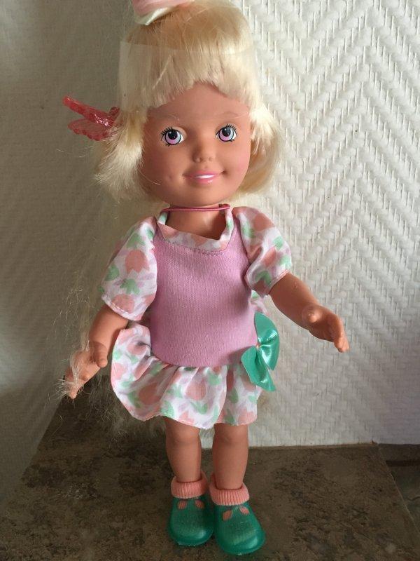 Petite poupée Playskool 1987 neuve