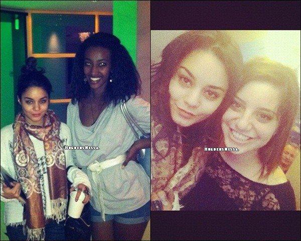 Vanessa c'est rendue à Miami avec Austin Butler , Kim Hidalgo et d'autres amis pour passer 1er de l'an.Vanessa fait la première page de Girlfriend.