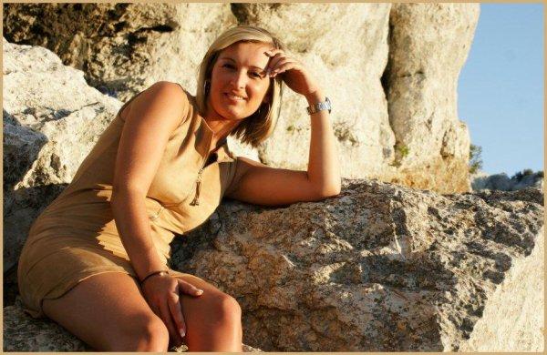 *SOSO_EN_AOUT_2012_LIEU_LA_CIOTAT_PONT NATUREL_route des crétes, plus haute falaises d'europe a pic sur la mer