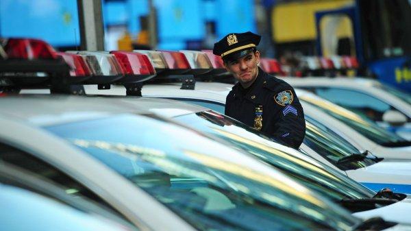 Etats-Unis : un policier paie les courses d'une mère qui volait de quoi faire un gâteau d'anniversaire pour sa fille