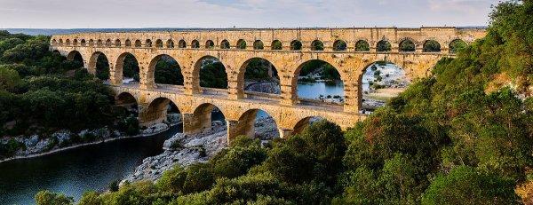 **Quand a été construit le pont du Gard ?**